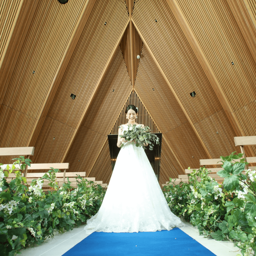 熊本駅直結の結婚式場 立体庭園 チャペル